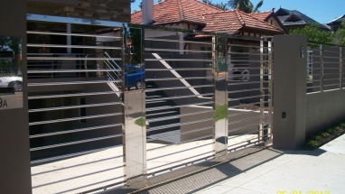 auto-gates3